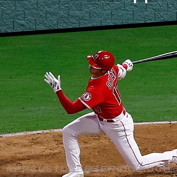 MLB iphone image 1